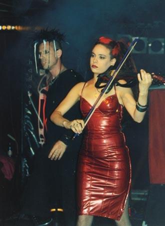 Rogue e Rachel McDonnell dei Crüxshadows
